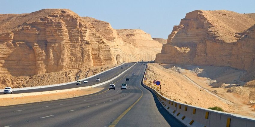 5 Roads With the Highest Speed Limits in the World | Travel