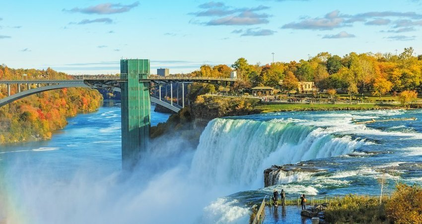 6 Towns to Explore on the U.S.-Canada Border