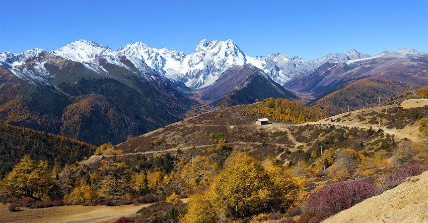 3 Reasons Nature Lovers Need to Visit Shangri-La