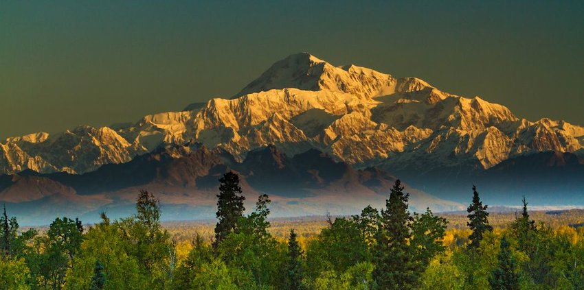 3 Experiences You can Only Have in Alaska