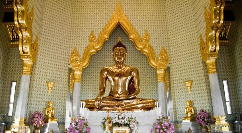 World's Biggest Solid Gold Buddha Statue — Bangkok, Thailand