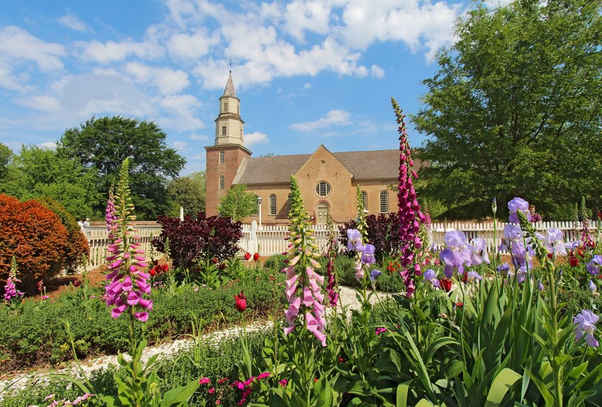 3 College Towns with Interesting Histories