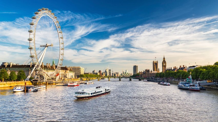 3 London Tourist Traps Worth the Crowds
