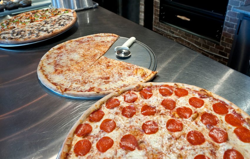 4 U.S. Pizza Styles You Should Know