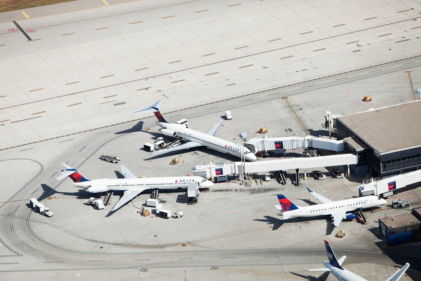 5 of the Oldest Operating Airports in the U.S.