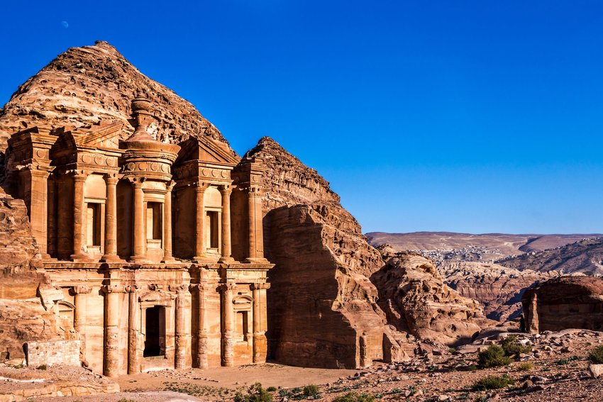 5 Cities All Archaeology Fans Need to Visit