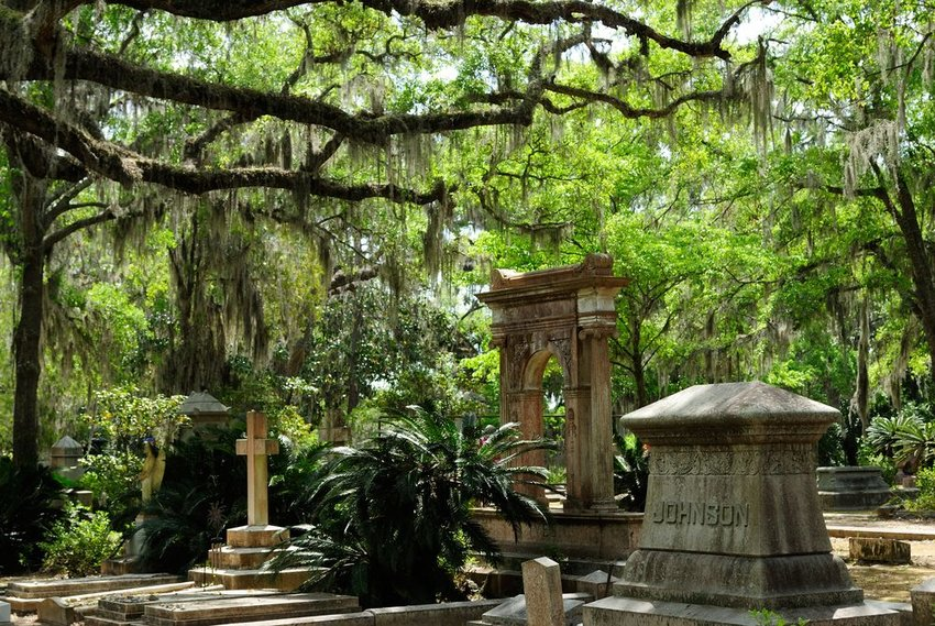 4 Most Beautiful Garden Cemeteries in the U.S.