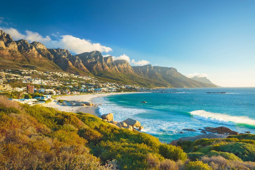 Seaside with mountains in Cape Town