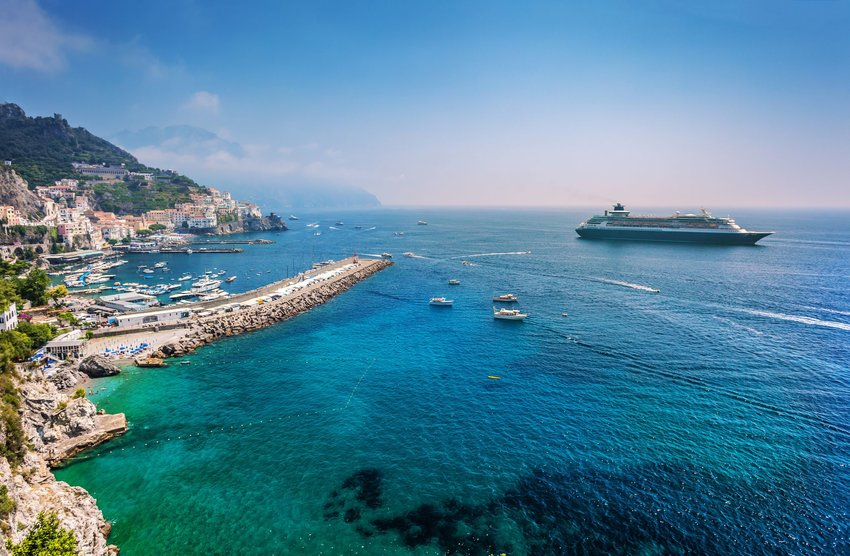 Cruise ship off Salerno coast