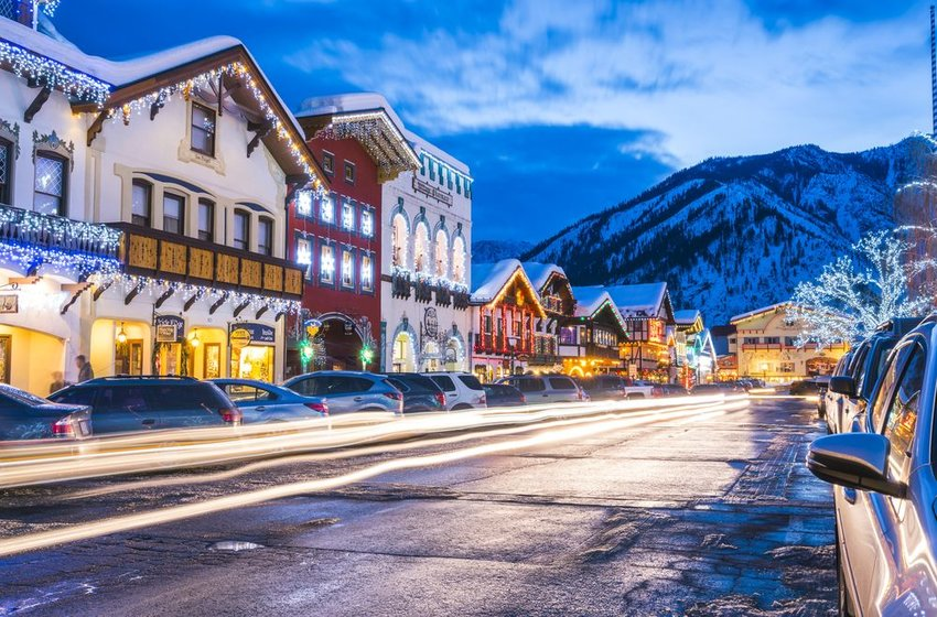 Main street of Leavenworth, Washington with holiday lights