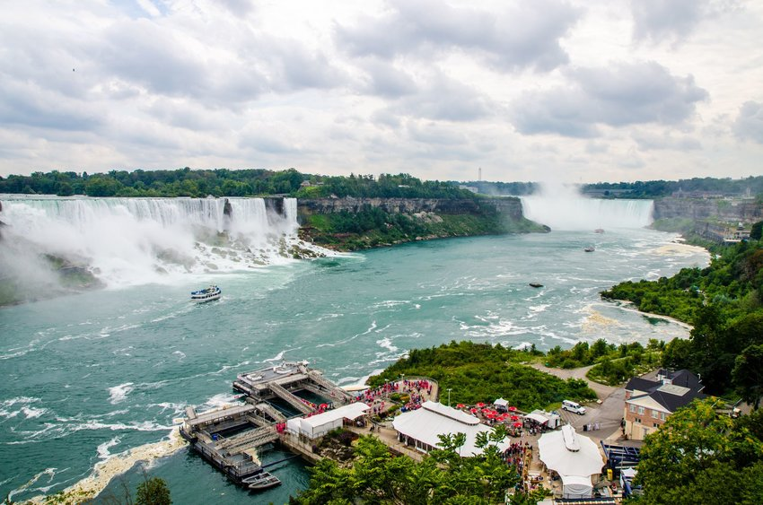 Niagara Falls emptying into Lake Ontario