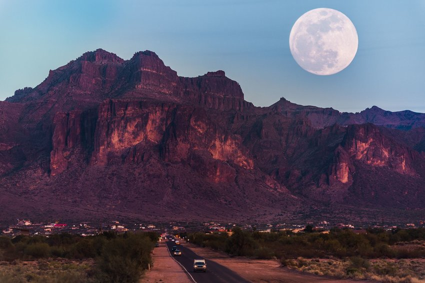 4 Tips for Viewing Tomorrow's Supermoon
