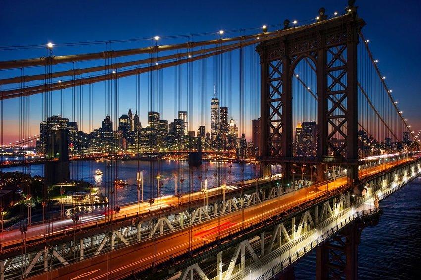 New York City skyline with the Brooklyn bridge