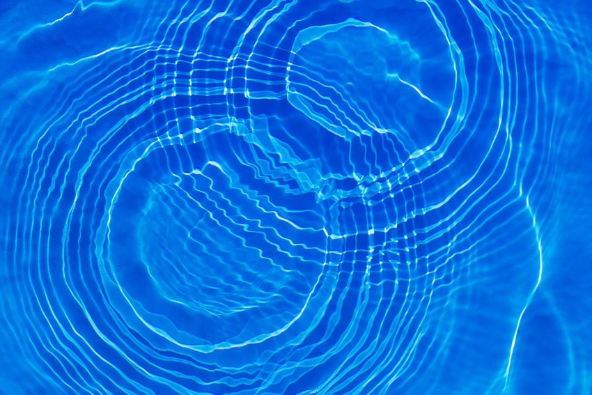 A figure eight in the ripples of a pool