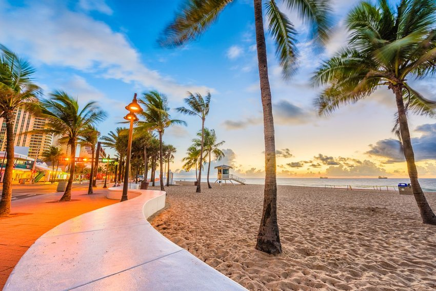 Beach at sunset in Fort Lauderdale, Florida