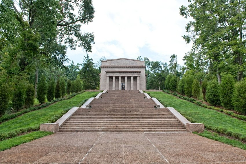 Abraham Lincoln's birthplace memorial