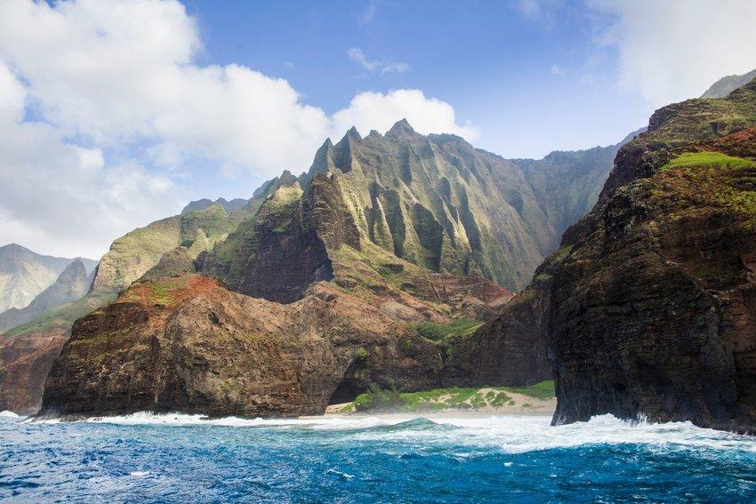 Landscape coastline of the Na Pali Coast at the Na Pali Coast State Park of the island of Kauai, Hawaii