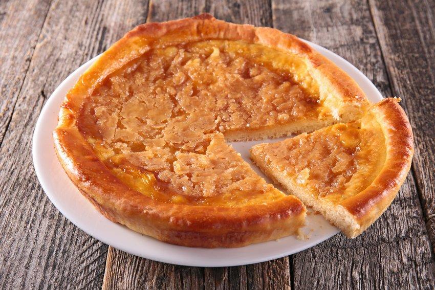 Hoosier pie on a wooden table