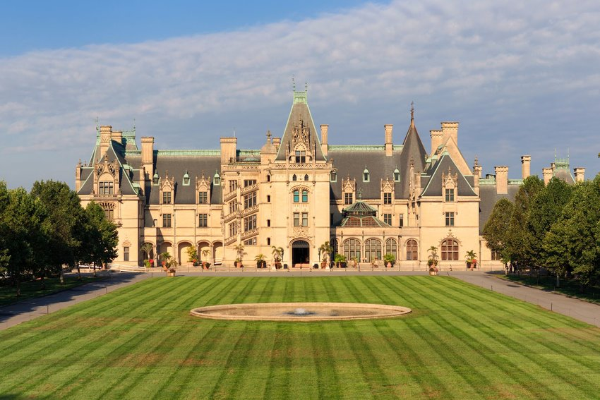 Biltmore Estate in North Carolina with green lawn in front