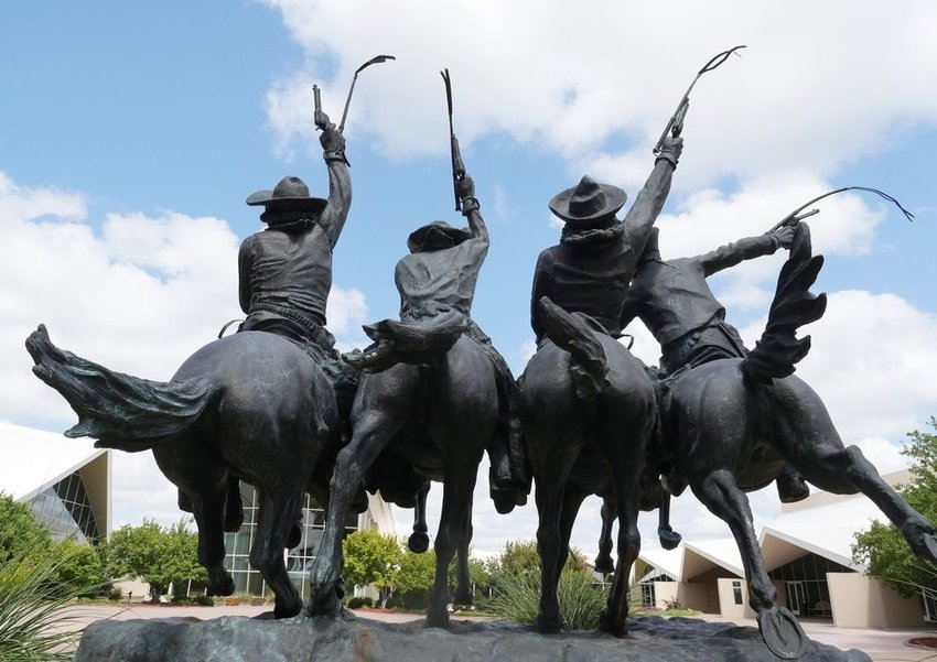 Statue of Coming Through the Rye at National Cowboy & Western Heritage Museum