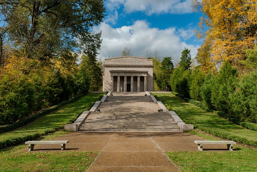 Memorial to Abraham Lincoln in Hodgenville, Kentucky