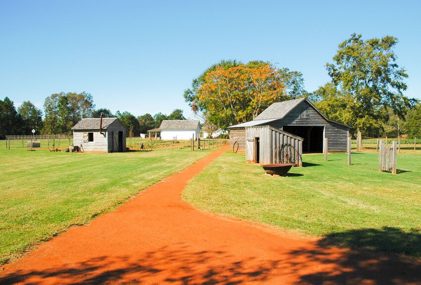 Dirt road and farm buildings at Jimmy Carter National Historic Site